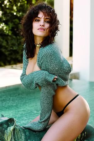 Daniele  nackt Nina Playboy's Playmate